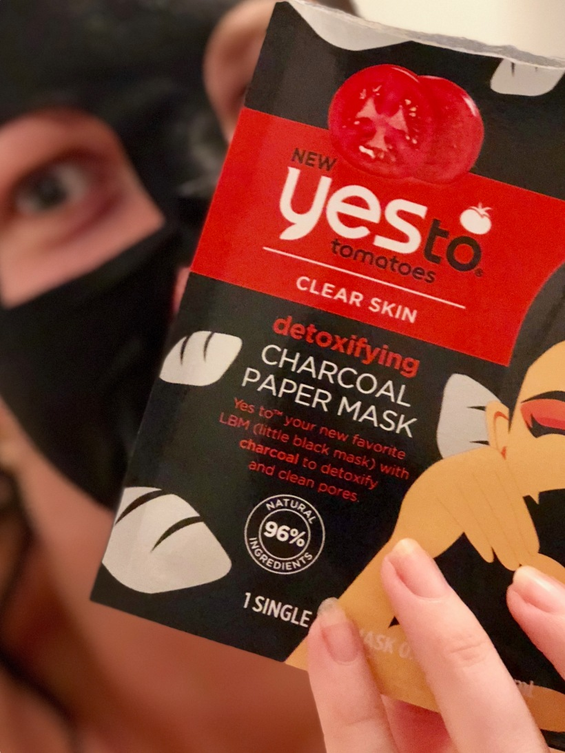 Yes To Tomatoes Clear Skin Charcoal Paper Mask