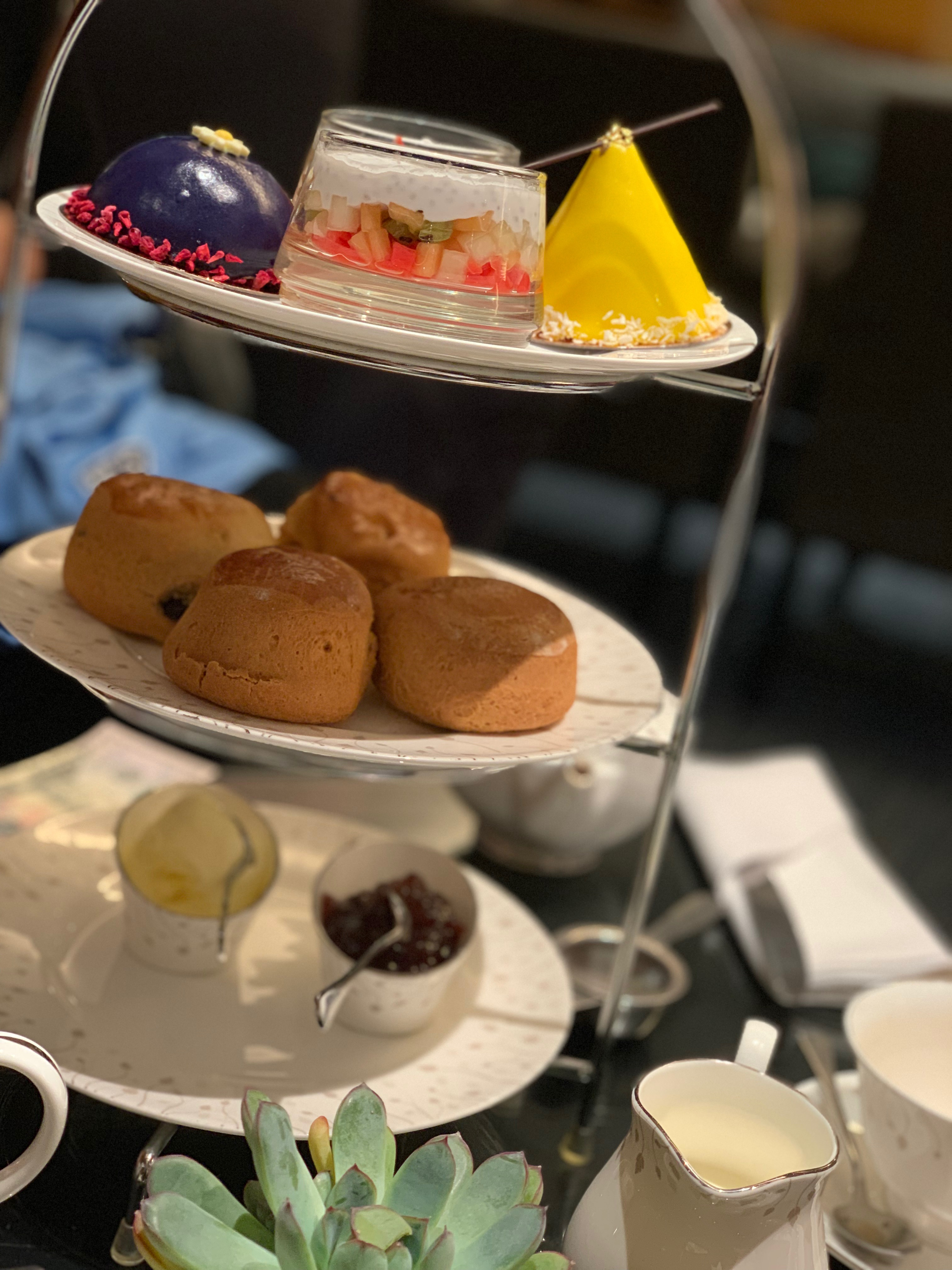 Afternoon tea at the Sofitel Hotel T5